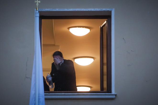 Επίθεση ιερέα με καυστικό υγρό σε επτά Μητροπολίτες, κατά τηδιάρκεια του Συνοδικού Δικαστηρίου στην Μονή Πετράκη/ Eurokinissi