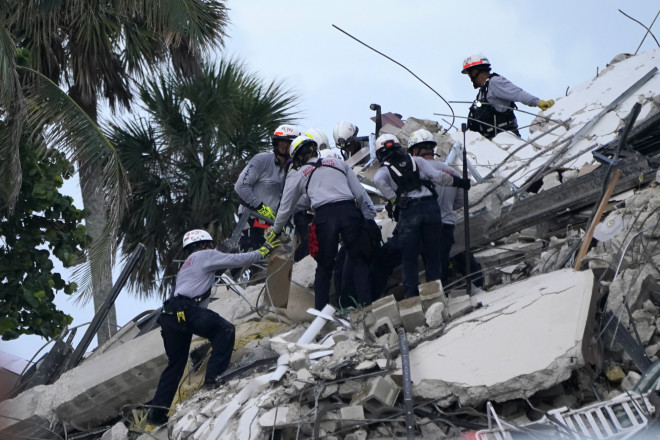 Κατάρρευση κτιρίου στο Μαϊάμι - ΑΡ