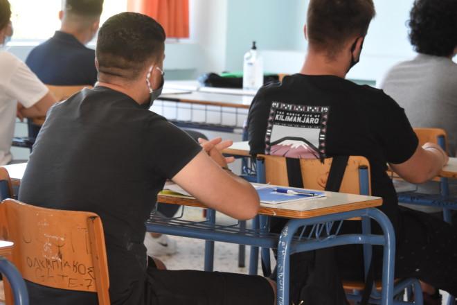 μαθητές σε τάξη