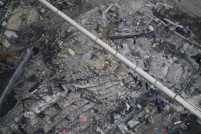 Έλληνας 21 ετών αγνοείται στα συντρίμμια της  δωδεκαώροφης πολυκατοικίας στο Σέρφσαϊντ, στη Φλόριντα που κατέρρευσε