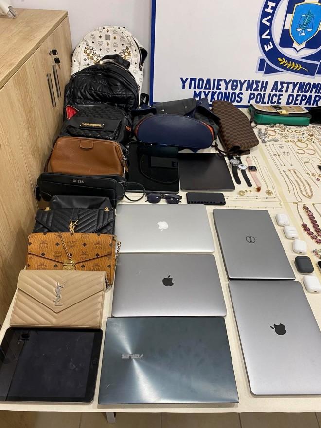 Aντικείμενα που βρέθηκαν στην κατοχή των δραστών- πηγή astynomia.gr