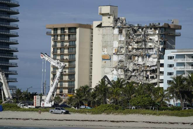 Μαϊάμι: Στους 18 οι νεκροί από την κατάρρευση κτιρίου- φωτογραφία ΑΡ