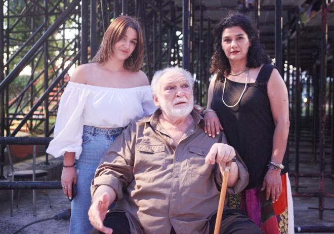 Κώστας Καζάκος-Τζένη Κόλλια με την κόρη τους Ηλέκτρα