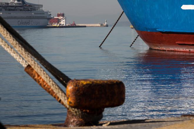 λιμάνι δεμένα πλοίο