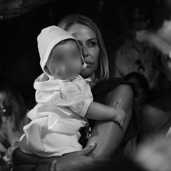 μπαλατσινού τζενη φόρεμ βάφτιση γιου παιδιού
