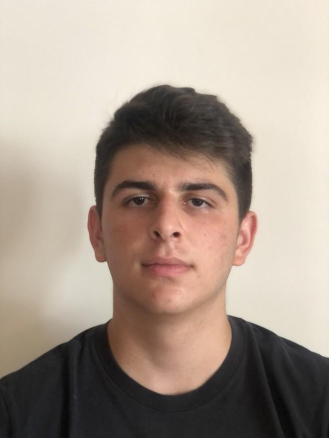 Ο αριστούχος μαθητής από την Κρήτη Γιώργος Γιαννούλης περνάει στην Νομική Σχολή Αθηνών