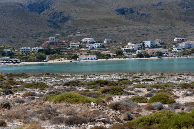 ΤοΔιακόφτι, στα ανατολικά των Κυθήρων με τη λευκή άμμο