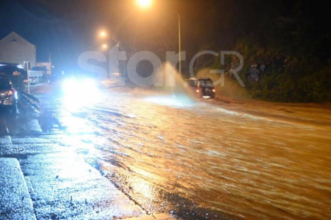 Δρόμοι πλημμύρισαν από τις φονικές καταιγίδες στο κρατίδιο της Ρηνανίας- Βεστφαλίας