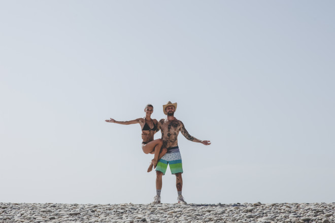 Life is a beach: Η Μαρία Μιχαλοπούλου άφησε τα catwalk και γύρισε την Κρήτη