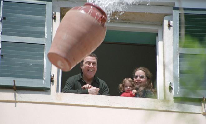 Γκερέκου - Βοσκόπουλος με την κόρη τους στην Κέρκυρα