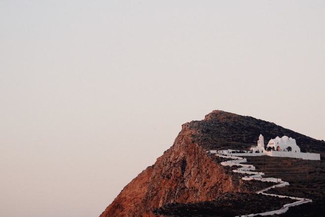 Ηεκκλησία της Παναγίας στη Φολέγανδρο-φωτογραφία από unsplash