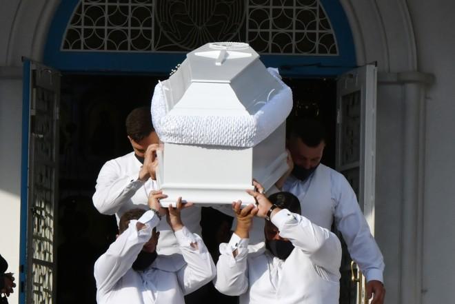 Κηδεία Γαρυφαλλιά