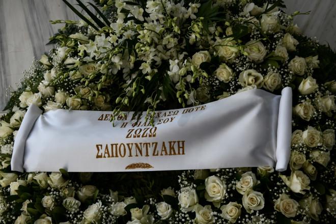 Η Ζωζώ Σαπουντζάκη έστειλε στεφάνι για τον καλό της φίλο, Τόλη Βοσκόπουλου