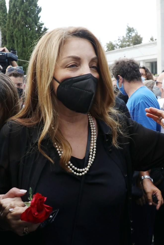 Άντζελα Γκερέκου στην κηδεία Βοσκόπουλου
