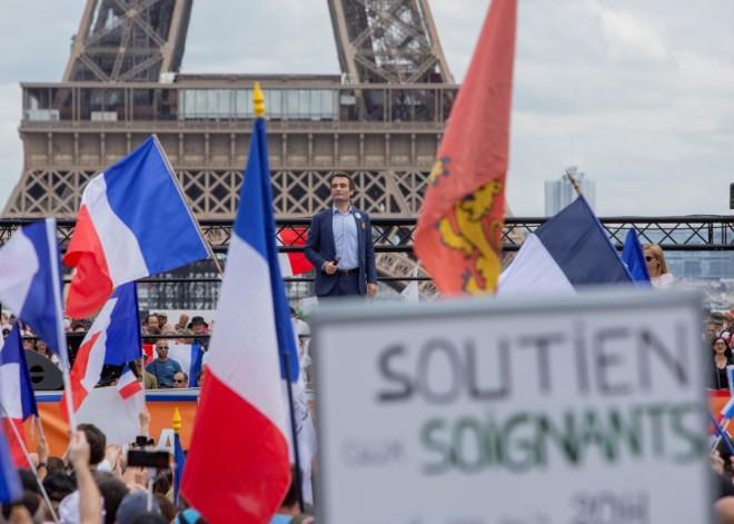 Συγκέντρωση κατά του εμβολιασμού στο Παρίσι