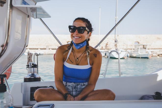 Η Μελίνα Ασλανίδου καταφθάνει στην παρέα του Life is a beach και φαίνεται έτοιμη!