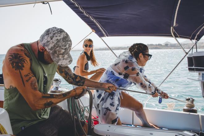 Ξεκινά το ταξίδι με ιστιοπλοϊκό από το λιμάνι του Ηρακλείου στο νησί του Δία
