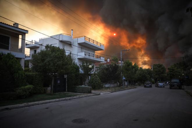 Φωτιά Βαρυμπόμπη- Το μέτωπο στις Αδάμες/ φωτογραφία Eurokinissi