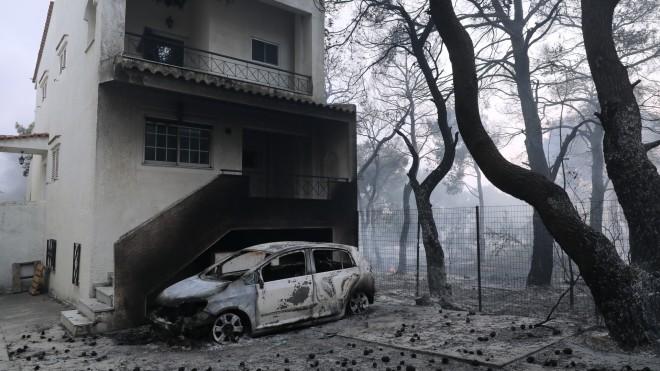 Περιουσίες τυλίχθηκαν στις φλόγες- φωτογραφία Eurokinissi