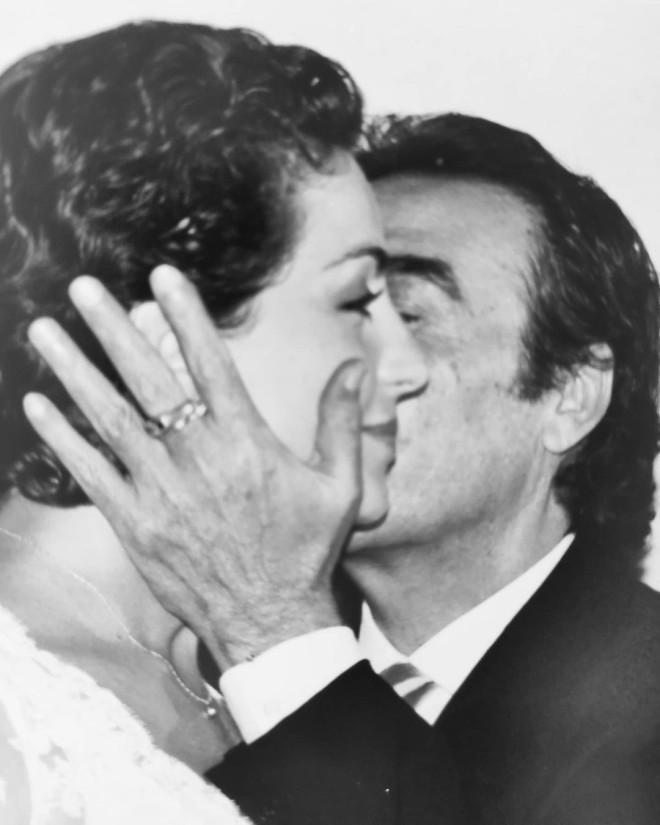 γκερέκου βοσκοπουλος γάμος αναρτηση πεθανε ο τραγουδιστης