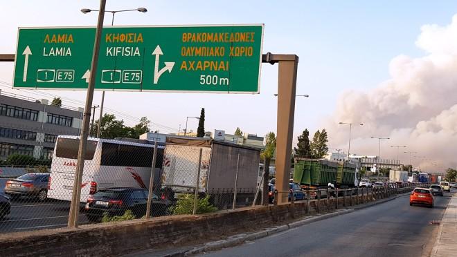 Mποτιλιάρισμα στην εθνική οδό στο ύψος τηςΚαλυφτάκη-φωτογραφία Eurokinissi