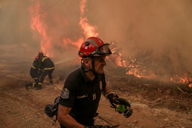 πυροσβέστης φωτιά
