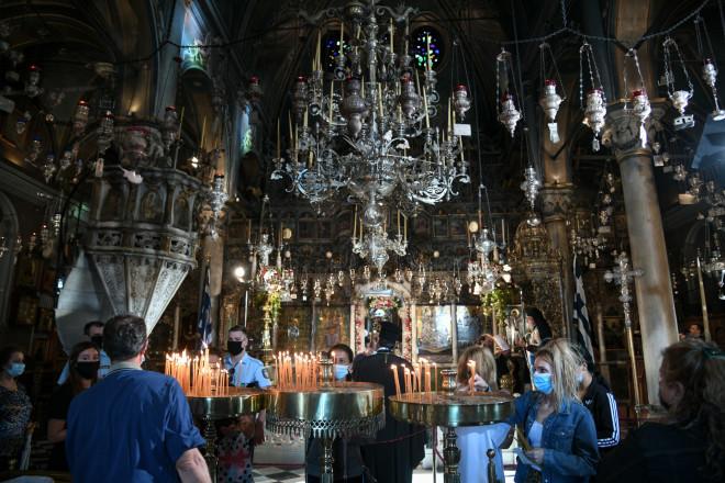 Παναγιά της Τήνου: Με κατάνυξη, αλλά και μέτρα για τον κορωνοϊό ο εορτασμός