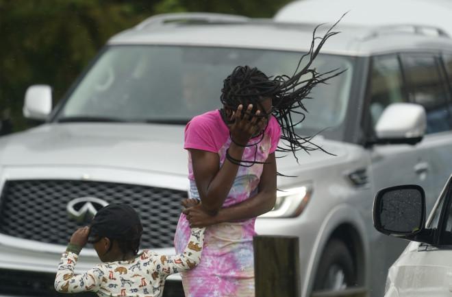 τυφώνας Άιντα
