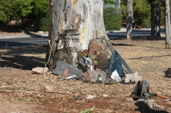 Κομμάτια από το αυτοκίνητο του Mad Clip μετά το δυστύχημα