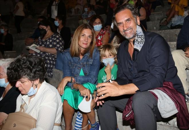 Έλενα Καρακούλη & Νίκος Ψαρράς με τον γιο τους