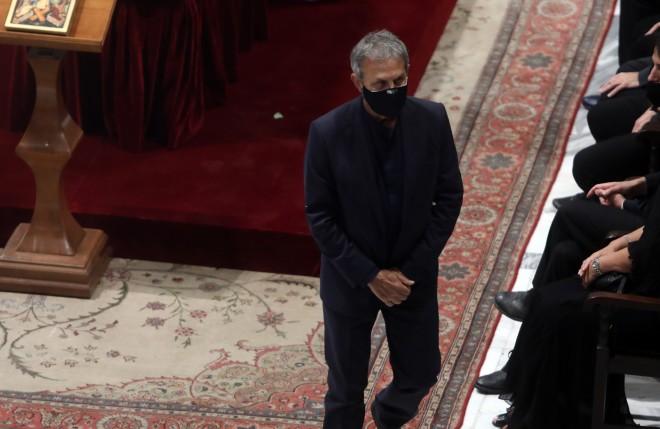 Ο Γιώργος Νταλάρας στην τελετή αποχαιρετισμού του Μίκη Θεοδωράκη-φωτογραφία ΙΝΤΙΜΕ