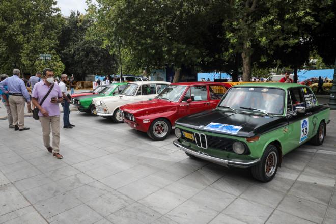 Έκθεση αυτοκινήτων στην πλατεία Συντάγματος