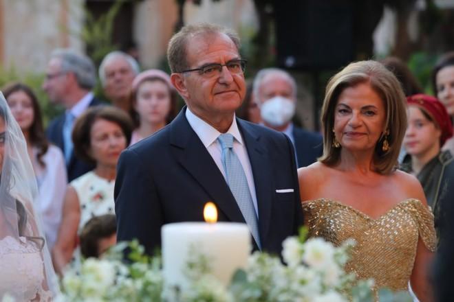 γάμος Κρήτη καλεσμένος Μητσοτάκης