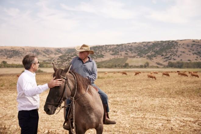Κυριάκος Μητσοτάκης αγρότης με άλογο