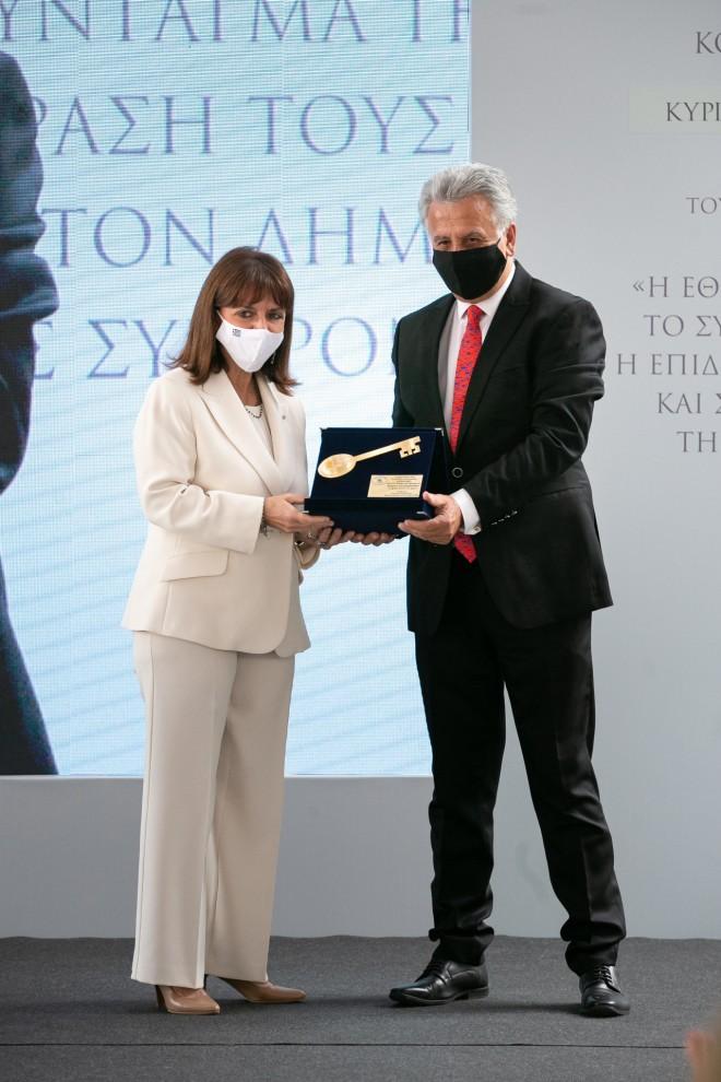Η Πρόεδρος της Δημοκρατίας Κατερίνα Σακελλαροπούλου και ο Ιωάννης Γεωργόπουλος