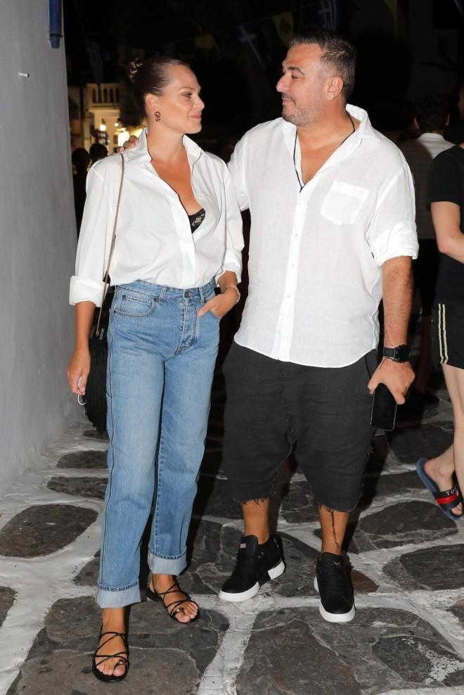 Η Υβόννη Μπόσνιακ και ο Αντώνης Ρέμος είναι ένα από τα πιο ερωτευμένα ζευγάρια της ελληνικής showbiz.