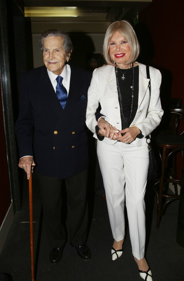 Η Ρίκα Διαλυνά με τον σύζυγό της, Νίκο Χρυσικόπουλου που έχει «φύγει» από τη ζωή / φωτογραφία NDP