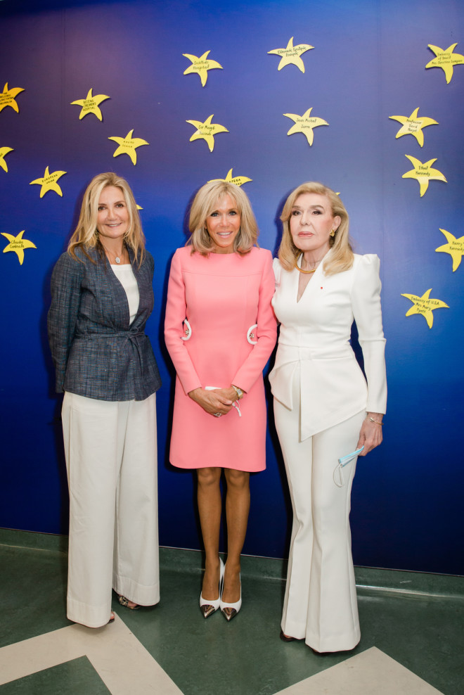 Μαρέβα Μητσοτάκη, Brigitte Macron, Μαριάννα Β. Βαρδινογιάννη στον Τοίχο των Αστεριών της ΕΛΠΙΔΑΣ
