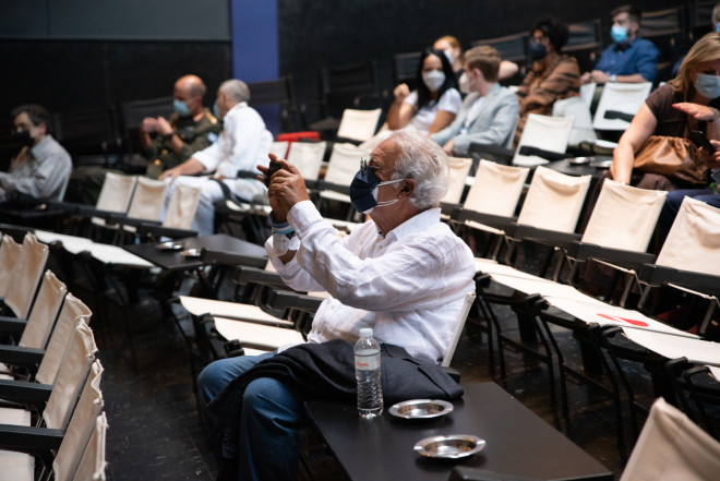 Ο σκηνοθέτης Τάσος Μπιρσίμ