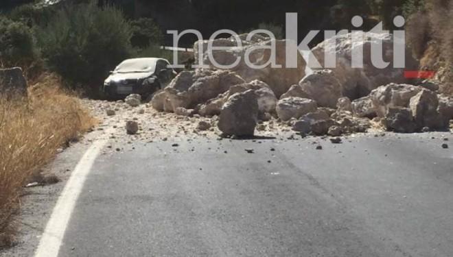 κλειστοί δρόμοι από σεισμό