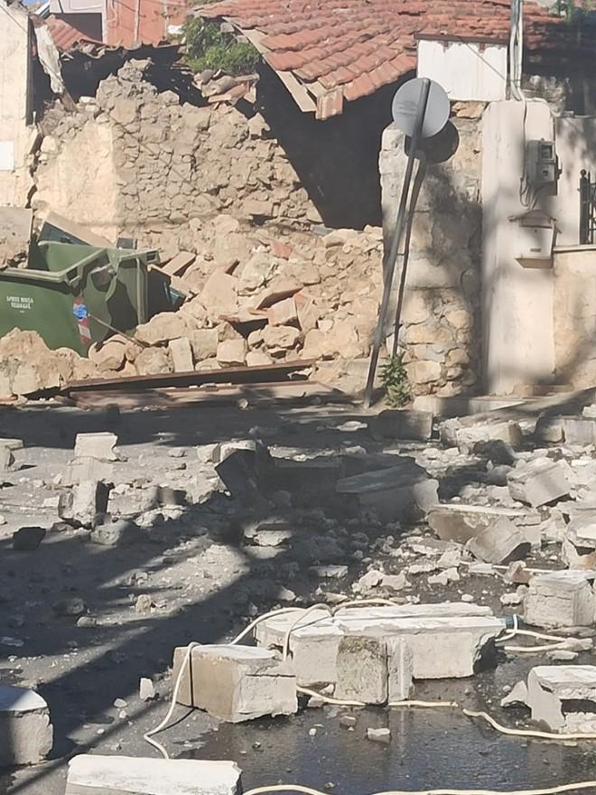σπίτι κατεστραμμένο σεισμός