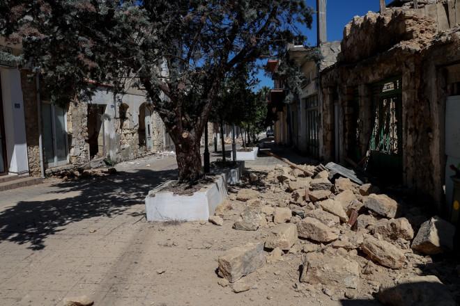 καταστροφές από το σεισμό των 5,8 Ρίχτερ στο Αρκαλοχώρι