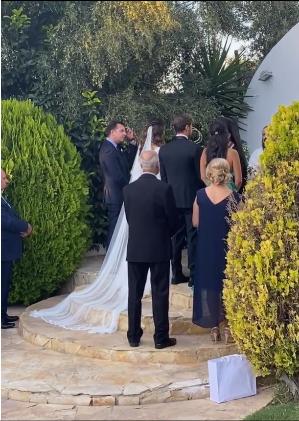Άκης Πετρετζίκης: Δημοσίευσε βίντεο από το γάμο του με την Κωνσταντίνα Παπαμιχαήλ