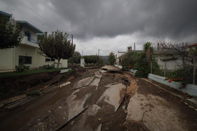 Εικόνες βιβλικής καταστροφής από την κακοκαιρία Αθηνά στις πληγείσες από τις πυρκαγές του καλοκαιριού περιοχές/EUROKINISSI