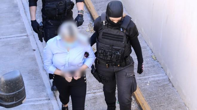 Η κατηγορούμενη για την επίθεση με βιτριόλι - Eurokinissi
