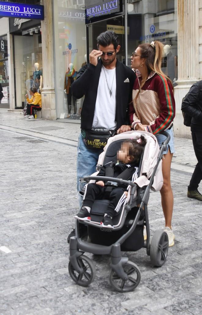 Η Ελένη Χατζίδου και ο Ετεοκλής Παύλου πήγαν για ψώνια στην Ερμού