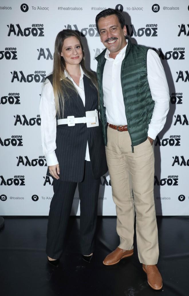 Ο Τόνι Σφήνος με τη σύζυγό του, Ιωάννα Γραμματικού