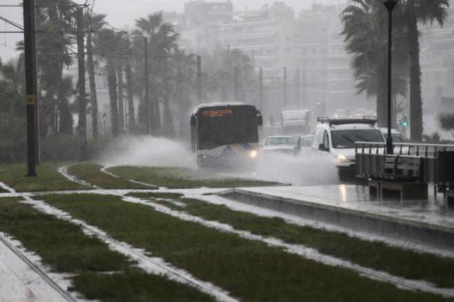 λεωφορείο βροχή
