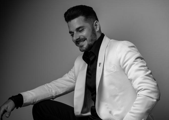Ο Μάνος Κοκολάκης υστήθηκε στο ευρύ κοινό μέσα από τη συμμετοχή του στο talent show «The Final Four».