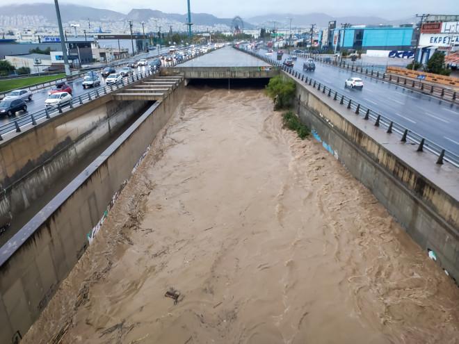 Τα νερά στον Κηφισό κατά την κακοκαιρία Μπάλλος-φωτογραφία Eurokinissi